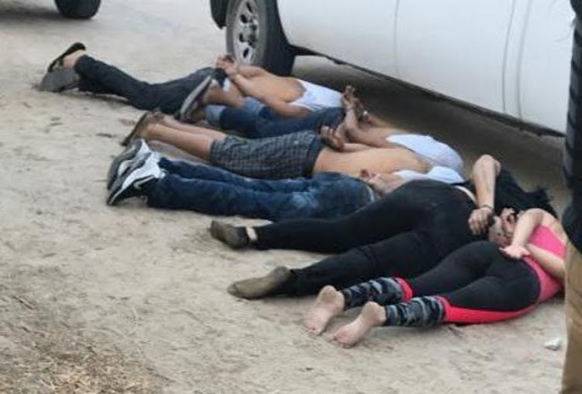 Videos:Tras tremenda balacera sin parar por más de 30 minutos capturan a por lo menos a 6 sicarios atrincherados y con arsenal  en BC