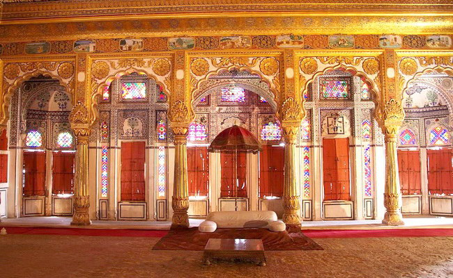 www.xvlor.com Mehrangarh Fort is Rathore clan palace built by Rao Jodha in 1459