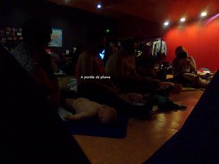 atelier massage bébé maman papa bienfaits AFMB groupe attachement
