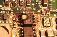 circuito integrado quemado en placa madre de laptop