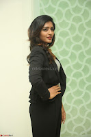 Actress Eesha Looks gorgeous in Blazer and T Shirt at Ami Tumi success meet ~  Exclusive 111.JPG