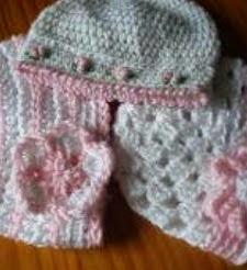 http://www.craftsy.com/pattern/crocheting/clothing/a-trio-of-pretty-baby-hats-free-pattern/39354