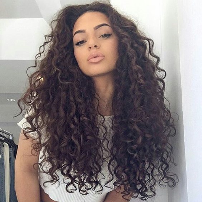 Penteados-para-cabelos-cacheados-volumosos