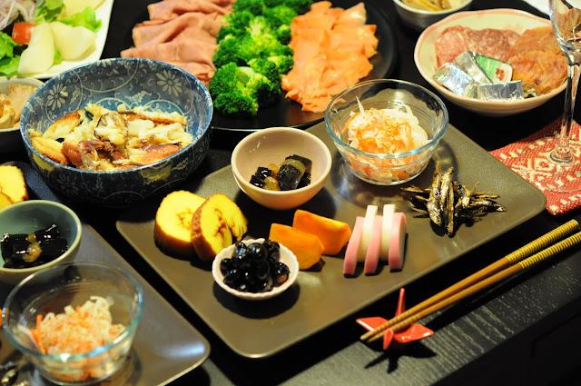 大晦日のおせち。あ〜そろそろお寿司とか食べたい。