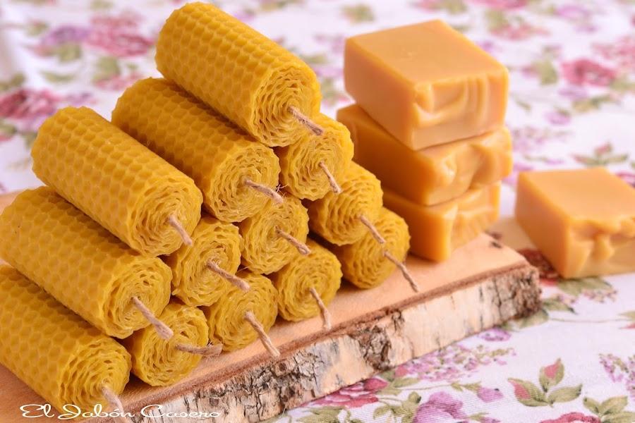 Detalles naturales para bodas velas de miel y jabones