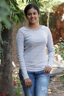 Actress Chandini in ed Tight Top at Ennodu Yilayadu tamil movie press meet ~  38.jpg