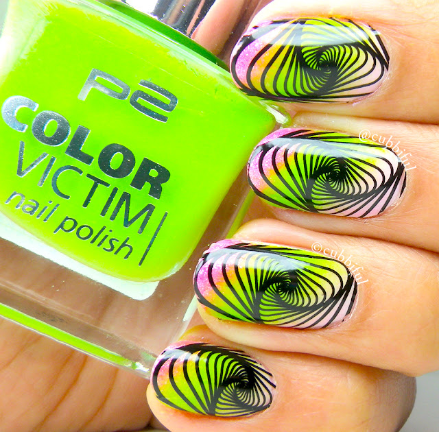 Optical Illusion Diagonal Gradient Nails