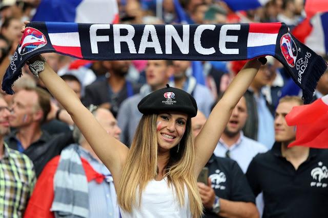 Θέαμα στις εξέδρες του Euro 2016
