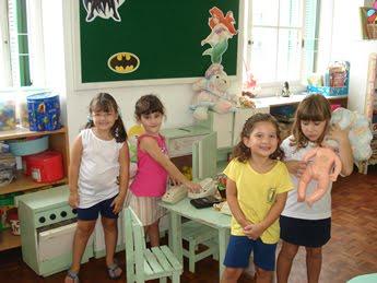 Sala de aula de Educação Infantil – Crianças levam para o imaginário o mundo real