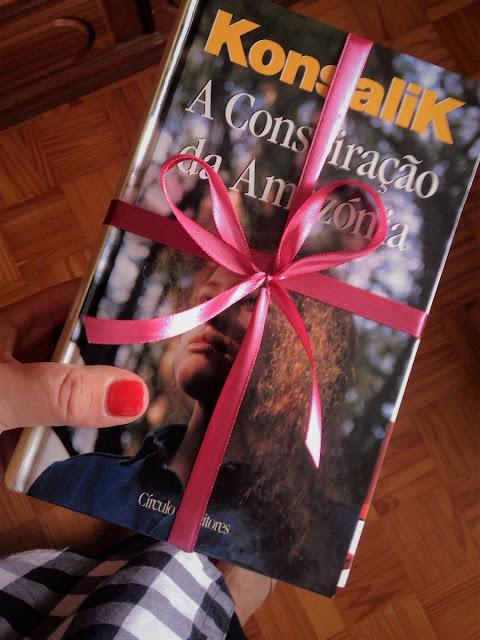 As-Páginas-Salteadas-convidaram-as-miúdas-foram-armazem-de-ideias-ilimitada-livros-doacao