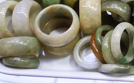 white jade rings are simple pretty and cheap