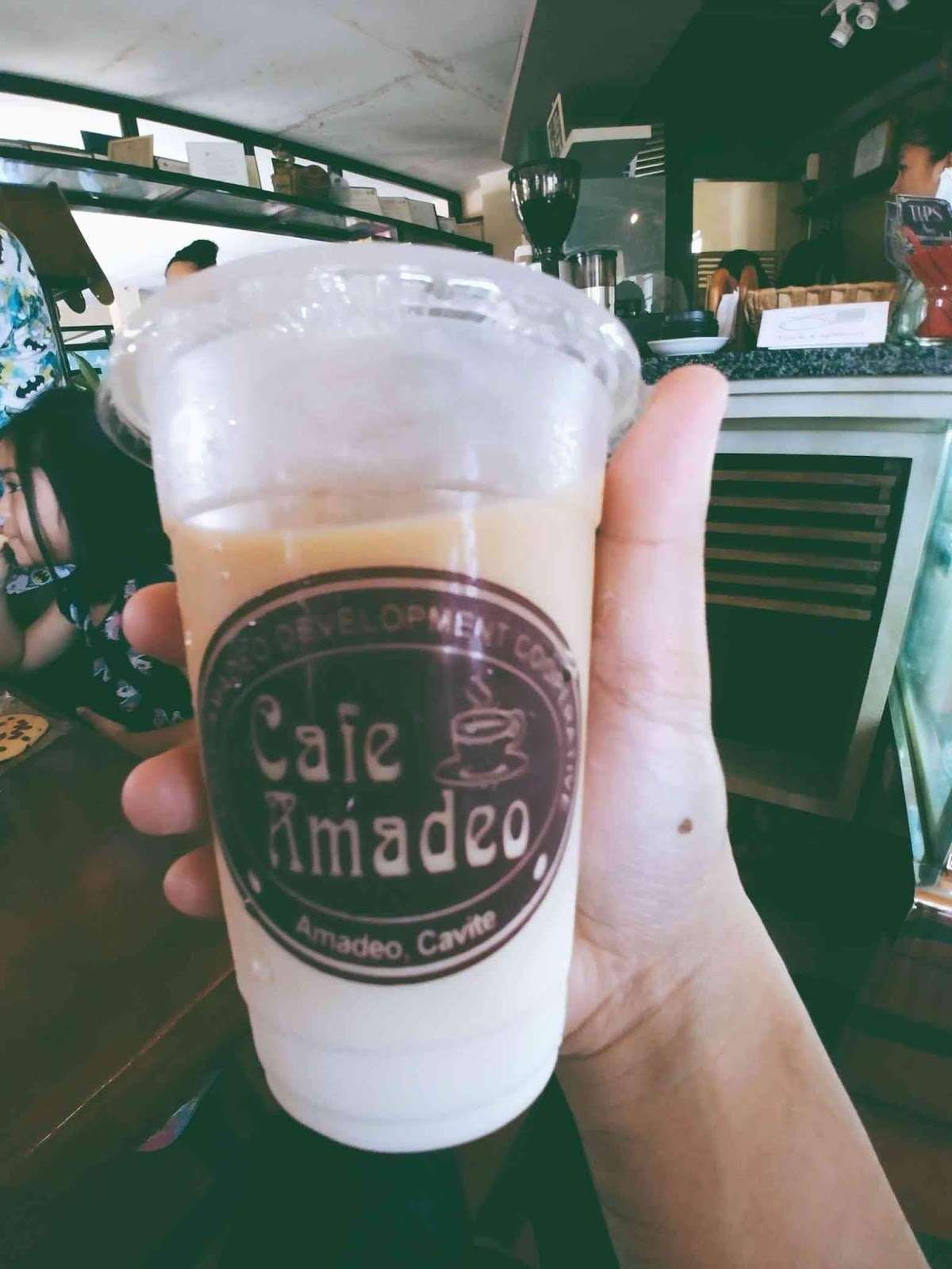 Cafe Amadeo latte coffee