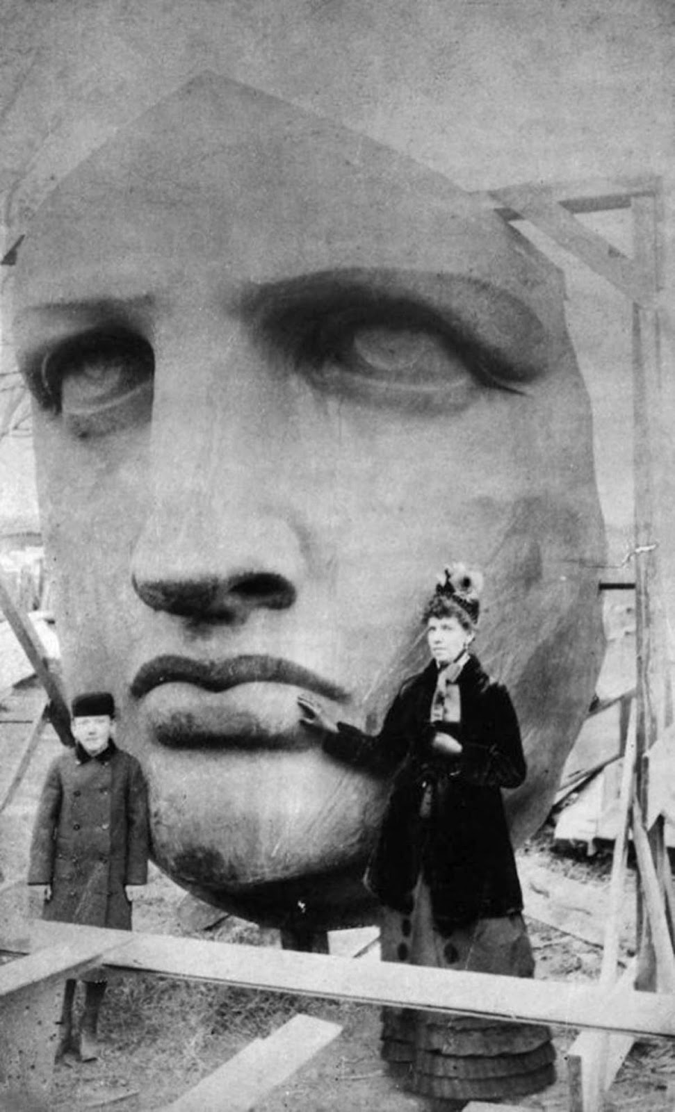 Unpacking of the head of the Statue of Liberty, which was delivered on June 17, 1885.