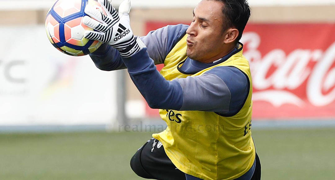 Keylor Navas Trains in Adidas Ace 17.1 Dust Storm Cleats And New Adidas Ace  2017-18 Keeper Gloves
