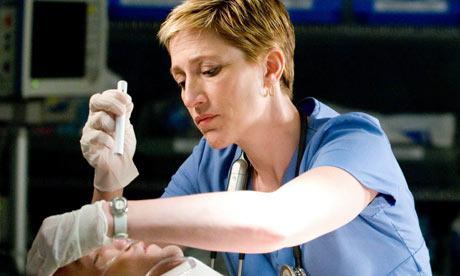 Hati-Hati Perawat Shift Malam Beresiko Tinggi Terkena Penyakit Jantung Koroner