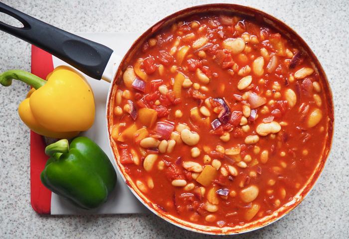 vegan three bean chilli recipe inspo food kitchen ideas kirstie pickering blogger blog blogging instagram flatlay healthy