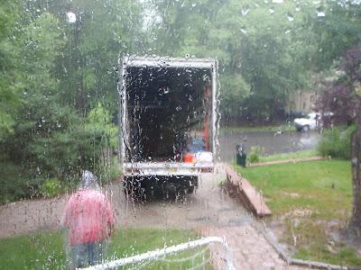 Yağmurlu günlerde taşınmak