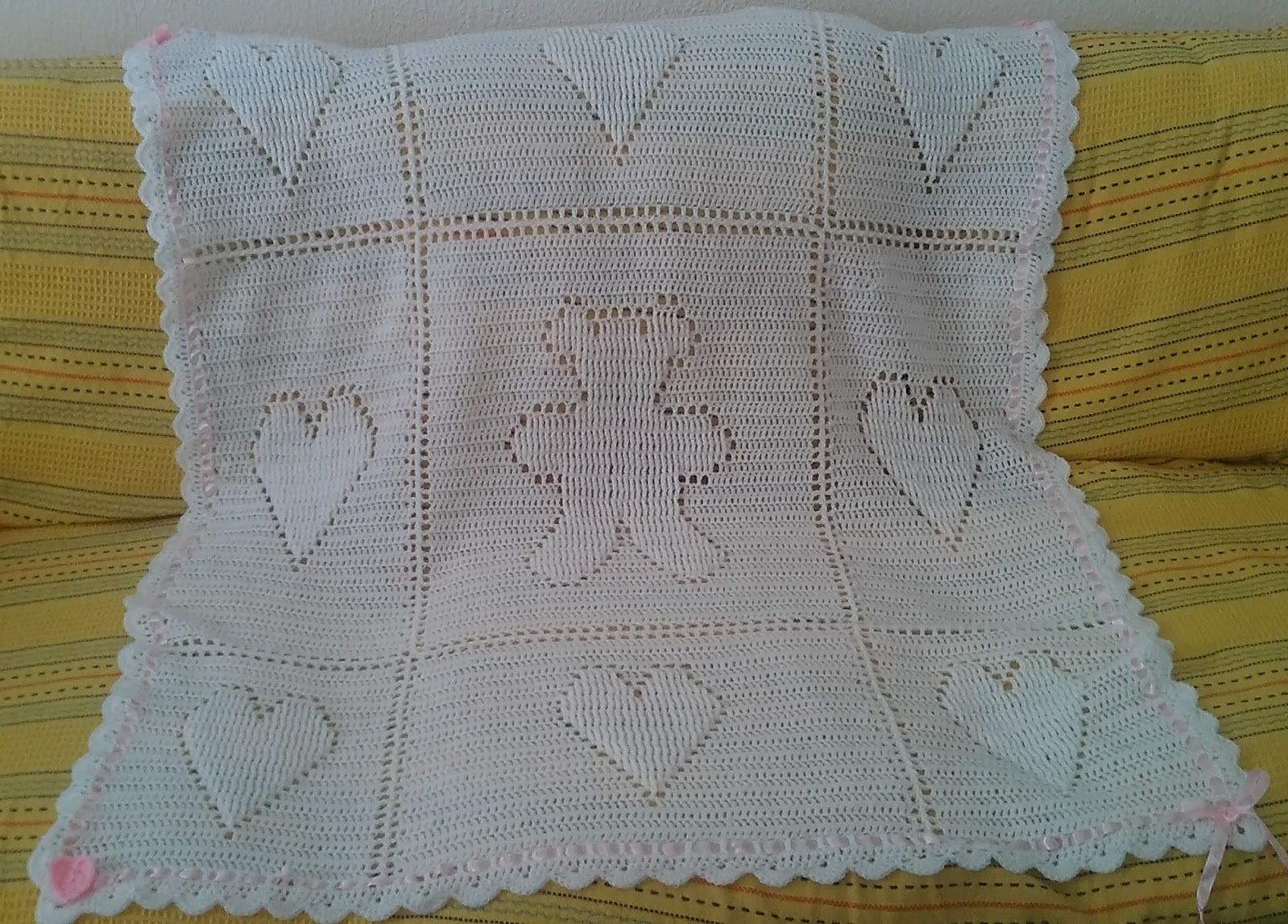 Crochet & Knitting: Teddy and Hearts Baby Blanket