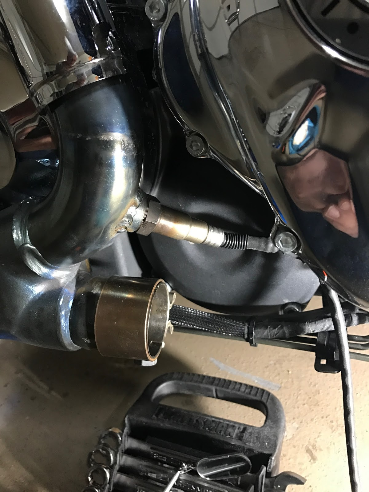 My Indian Roadmaster: Installing Wideband O2 Sensors
