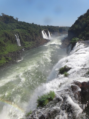 イグアスの滝の落差