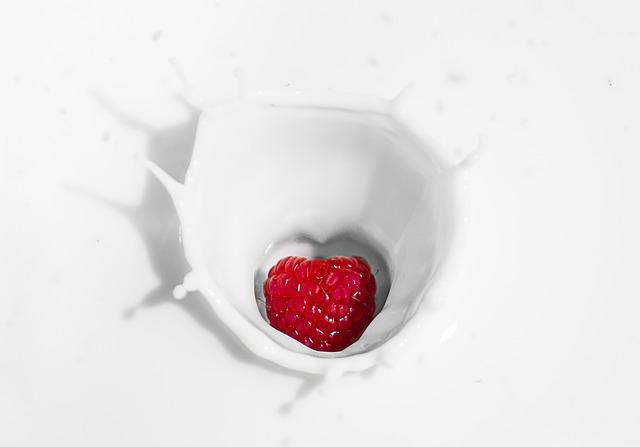 Cara Memerahkan bibir Secara Alami dengan susu