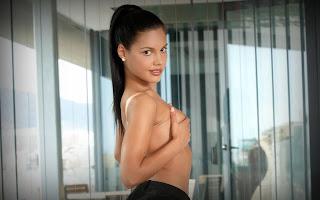 twerking girl - Apolonia-S02-009.jpg