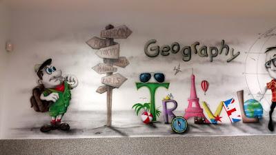 Malowanie klasy szkolnej, malowanie sali lekcyjnej, jak pomalowac klasę? ciekawy pomysł na malowanie sali lekcyjnej, mural w szkole dla sali geograficznej