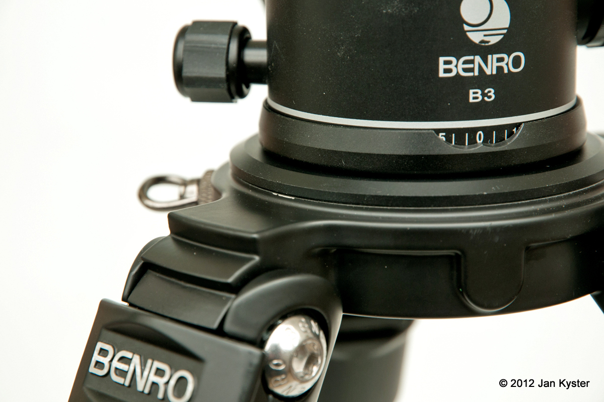 Benro C3770T CF Tripod mounting base ring detail
