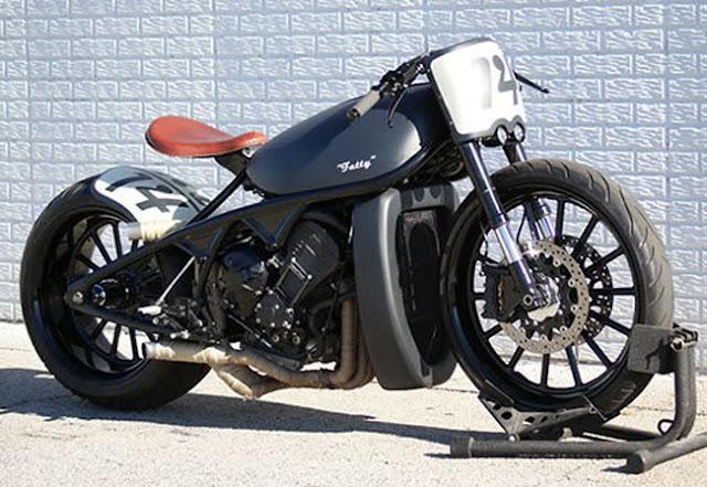 Yamaha R1 phong cách Bobber