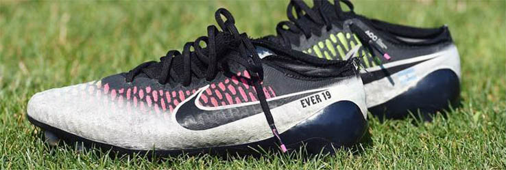 add0885620e1 Ever Banega Ditches Nike Magista Cleats Xp - New Nike Adidas Soccer ...