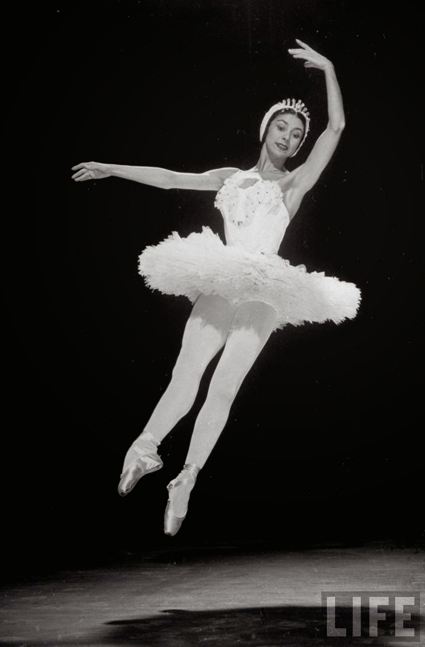 Black And White Living Room Decor: Beautiful Black And White Photos Of Margot Fonteyn In