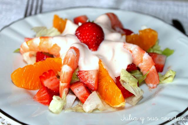 Ensalada de fresas y langostinos. Julia y sus recetas