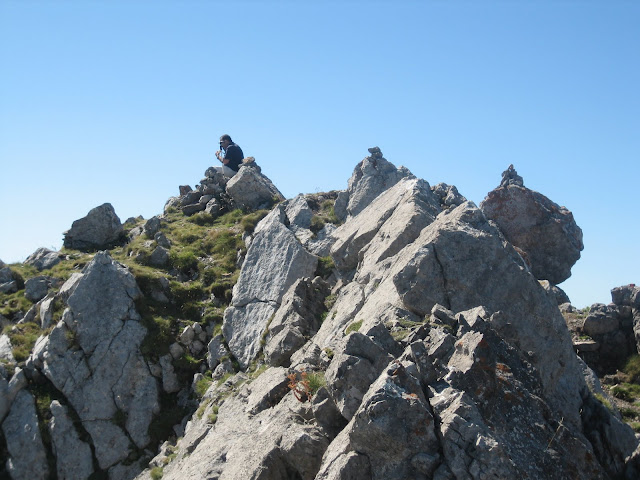 Rutas Montaña Asturias: Llegando a la cima de Peña Ubiña Pequeña