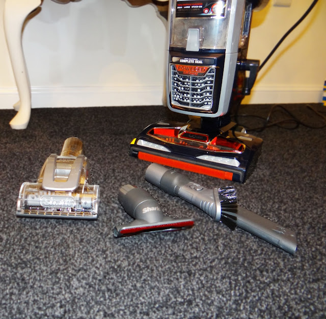 Shark Lift-Away with Duoclean NV800UK Upright Vacuum Cleaner Review