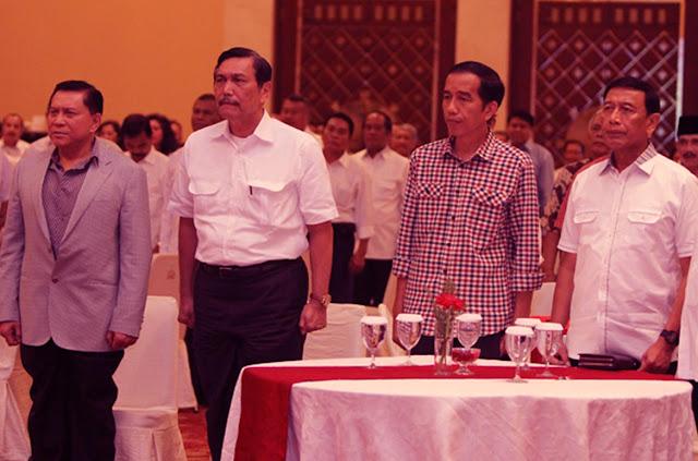 Fahri Hamzah Sebut Jokowi seperti Kucing yang Dikelilingi Srigala