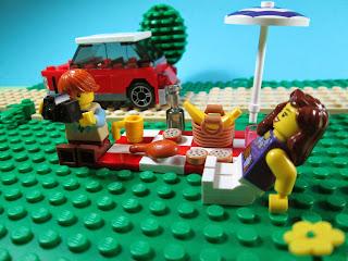 Minifiguras LEGO no picnic
