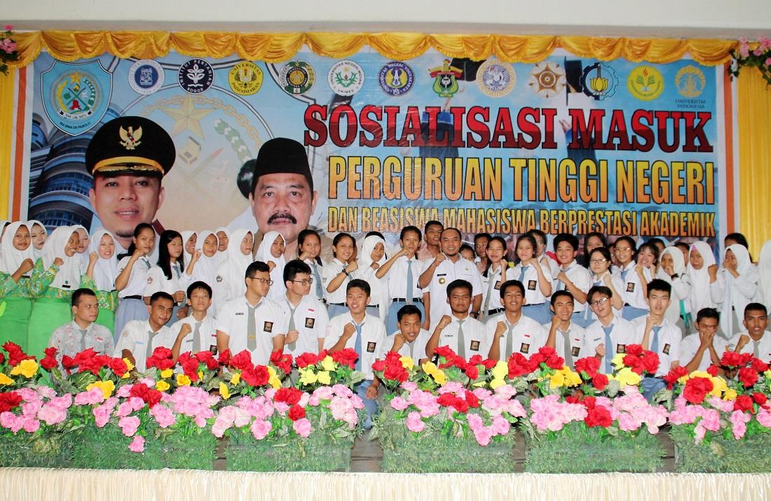 Pemkab Labuhanbatu Gelontorkan Dana Rp6 M Bagi Mahasiswa Berprestasi dan Kurang Mampu
