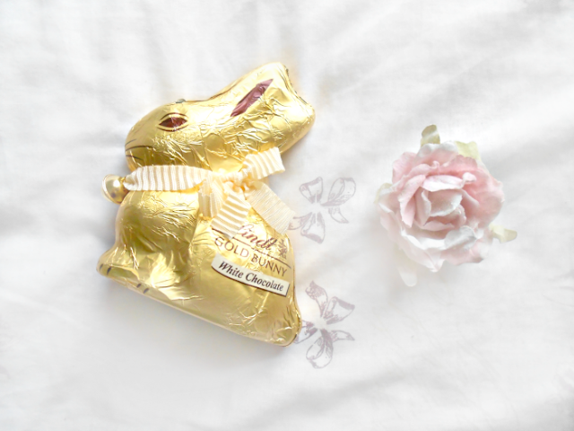White chocolate Lindt bunny