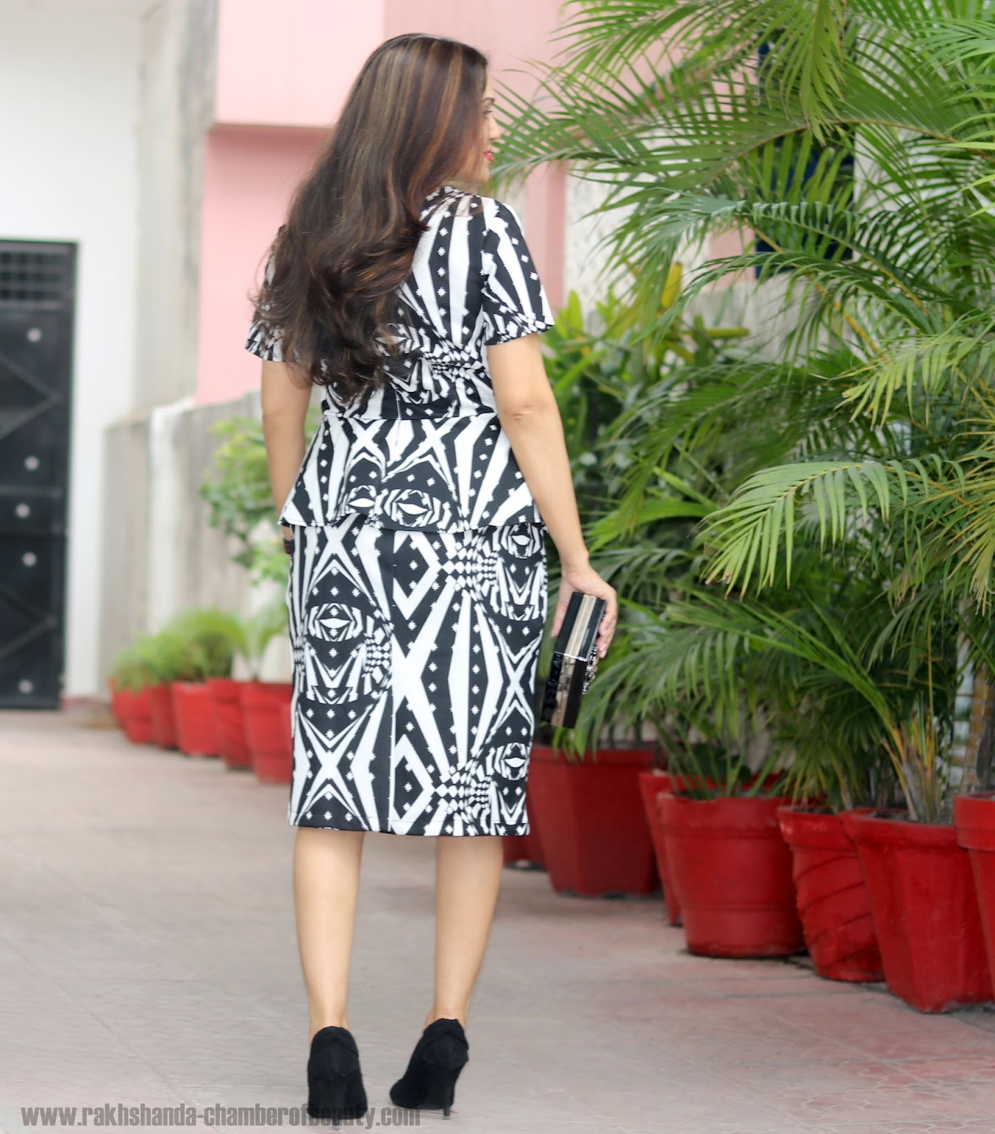 The monochrome fashion trend, Everyhting5pounds Peplum dress, Indian fashion blogger, Chamber of Beauty