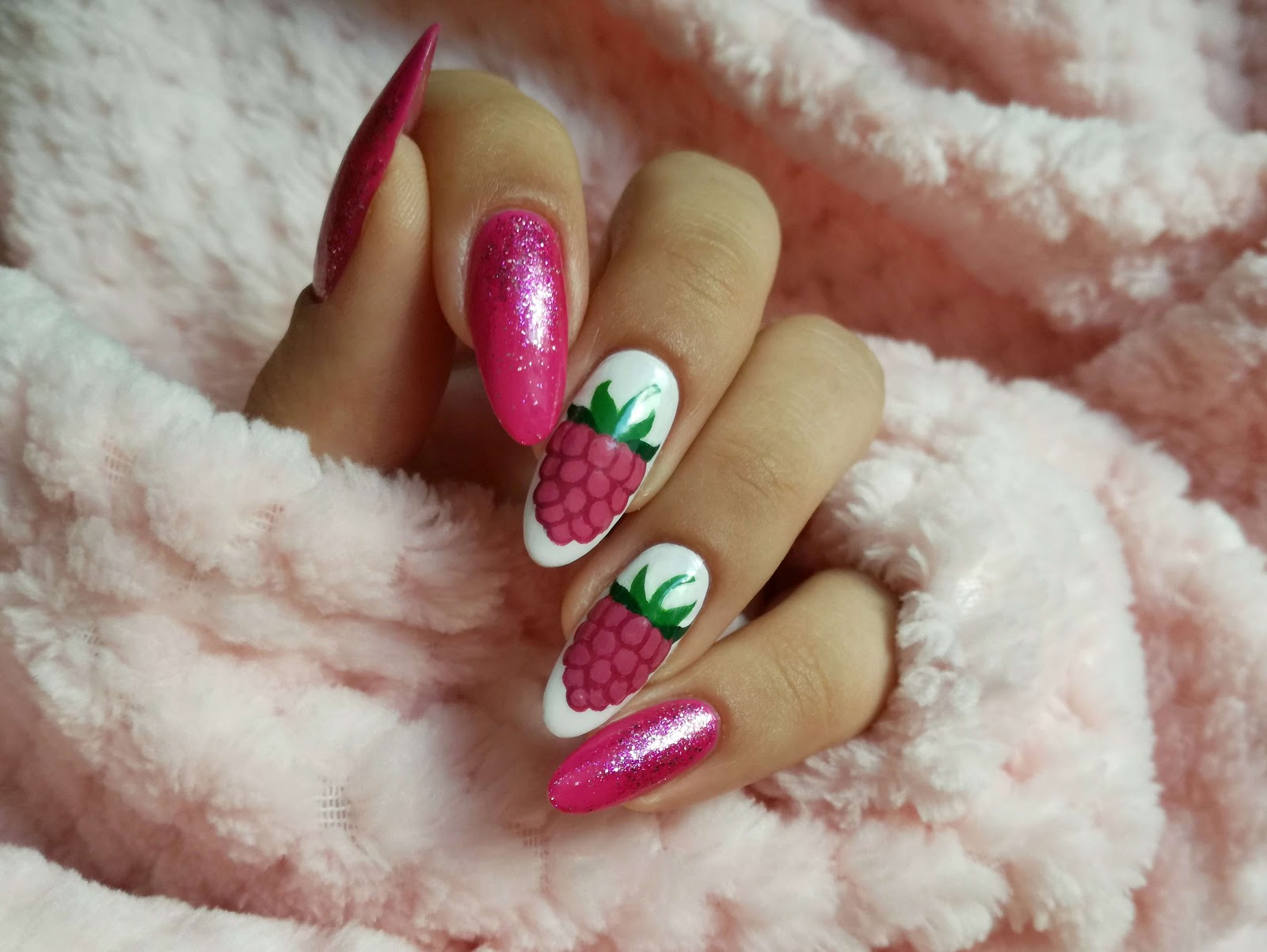paznokcie malinaila