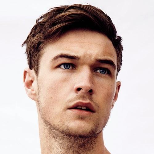 Beste Frisuren Männer Geheimratsecken – Ein Frisuren Kleider
