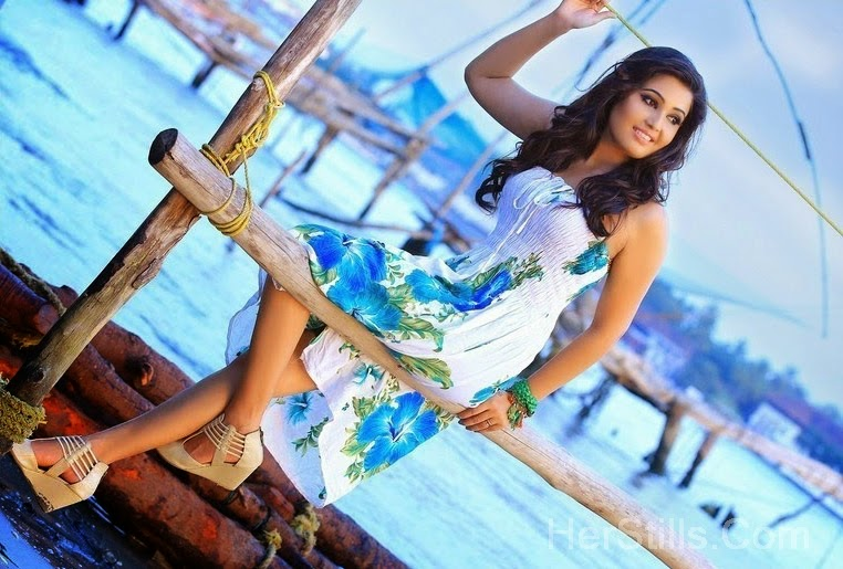 Sandra Amy Hot Stills In Different Sexy Clothes