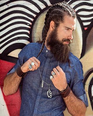 trenzas pegadas para hombres con cabello largo