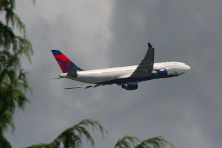 Delta Airlines 777 departs SEA