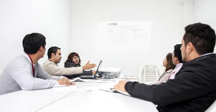 PRONIED: Capacitan a especialistas de las UGEL para gestionar instalación de módulos de servicios higiénicos - www.pronied.gob.pe
