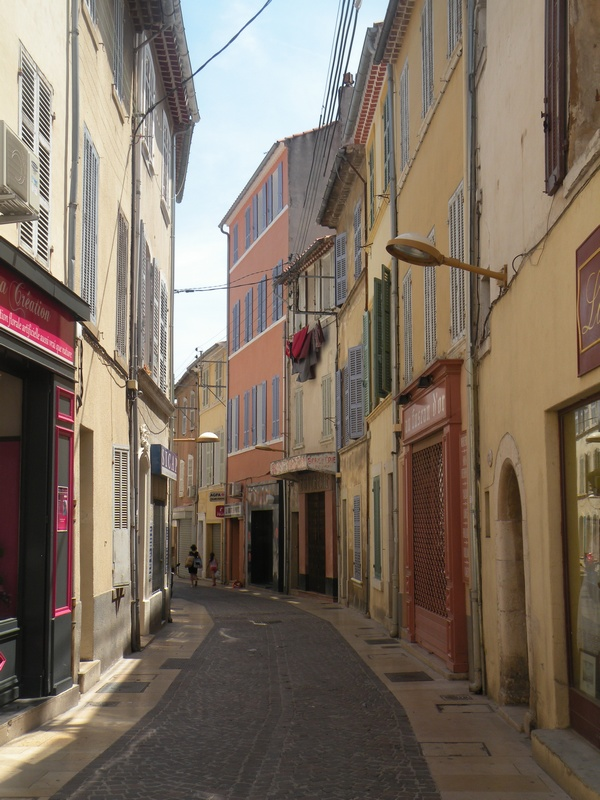CITYGUIDE LA CIOTAT : Les ruelles pour s'y perdre.. / Un Week-end à La Ciotat / www.by-laura.fr