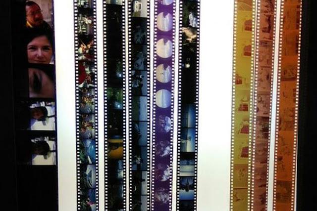 Contoh film berbeda ukuran dan tipe dalam keadaan sudah dicuci (develop). Lembaran dengan frame berukuran paling besar di ujung kiri merupakan film medium format positif. Lembaran-lembaran dengan frame kecil berwarna di tengah adalah film 35mm positif, sementara tiga lembar film di ujung kanan yang berwarna kuning dan cokelat adalah film 35mm negatif
