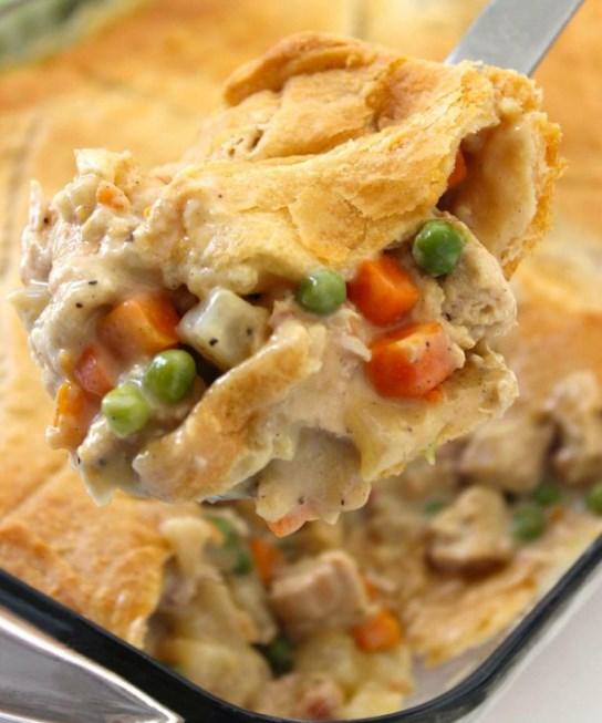 Chicken Pot Pie Casserole #easyrecipe #weeknightdinner