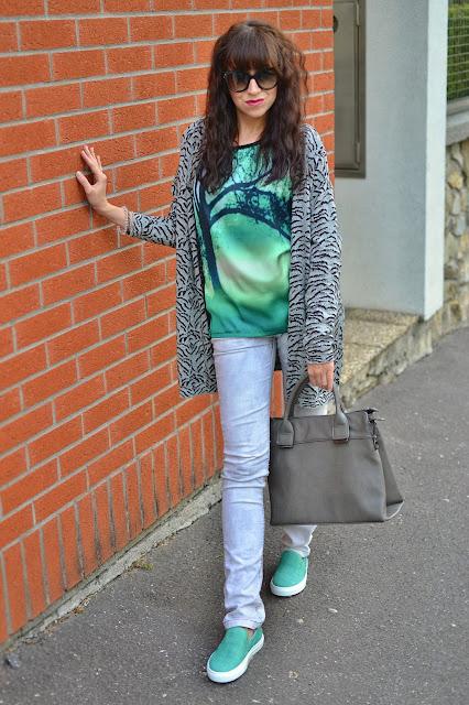 SIVOZELENÁ LEŽÉRNOSŤ_Katharine-fashion is beautiful_Sivočierny sveter_Zelený top_Katarína Jakubčová_Fashion blogger