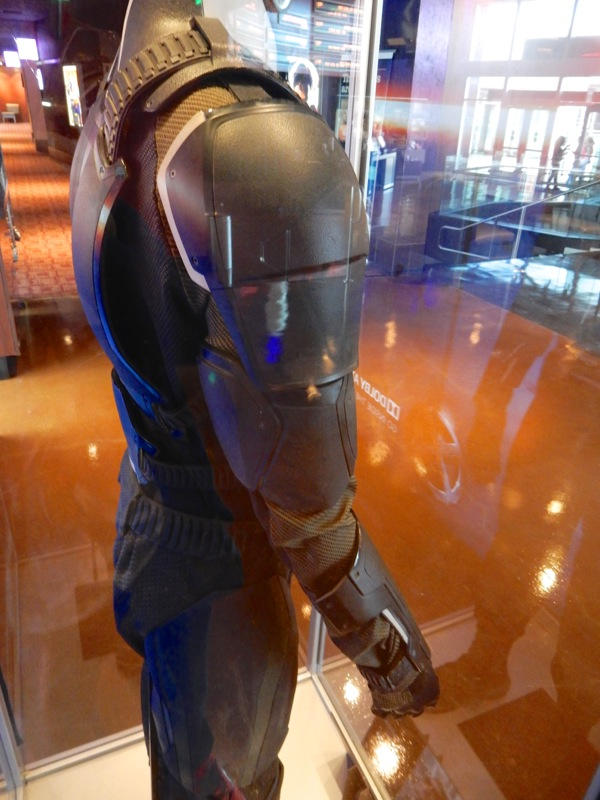 X-Men Apocalypse Cyclops costume detail